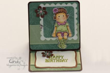 http://blogwiese.de/basteln/files/2009/12/easel-card-easel-karte-berry-tilda-geburtstagskart-430x286.jpg