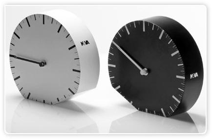 Designuhr - Zeitumstellung