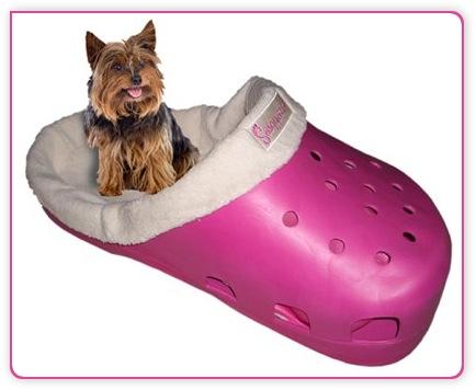 Katzenbett in Pink als Crocs