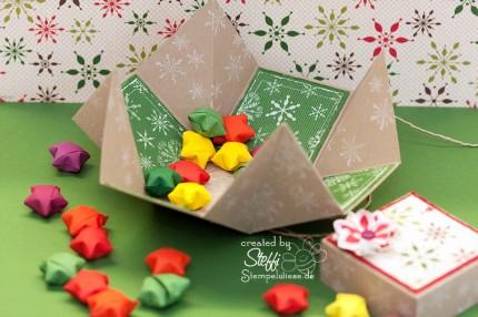 Schachtel mit Papiersternen