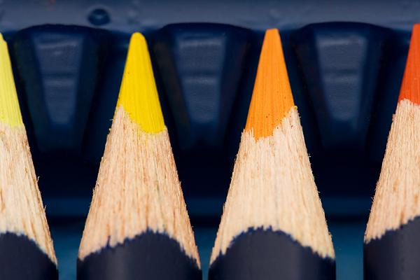 Buntstifte - Warm - Gelb - Orange - Blau - Gespitzt